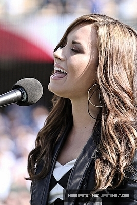 Demi Lovato-july11th pag-awit the National Anthem at Dodgers vs. Cubs game.