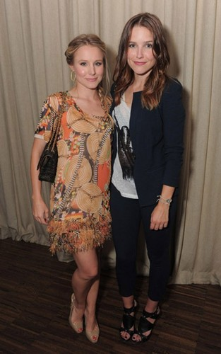 Kristen chuông, bell and Sophia Bush: Darker Side of Green Gals