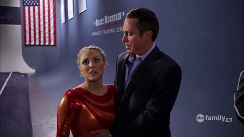 Lauren 1x01 screencaptures