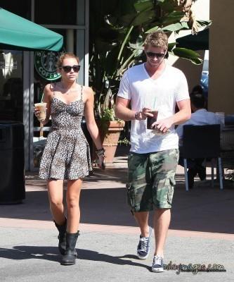 Liam & Miley @ Starbucks