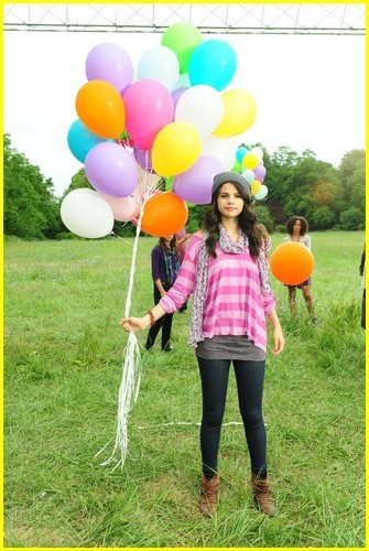 Selena Gomez: Dream Out Loud Commercial!