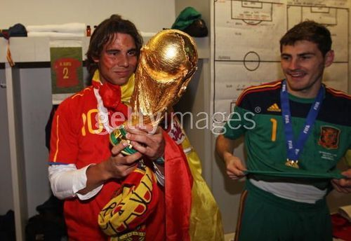 FIFA World Cup South Africa 2010 پیپر وال titled Spanish team with Rafa Nadal
