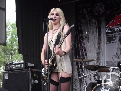Vans Wrapped Tour 2010 (Montreal) - The Pretty Reckless