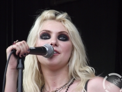 Vans Wrapped Tour 2010 (Montreal)- The Pretty Reckless