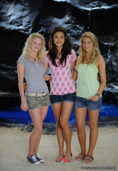 mako island girls - h2o-just-add-water photo