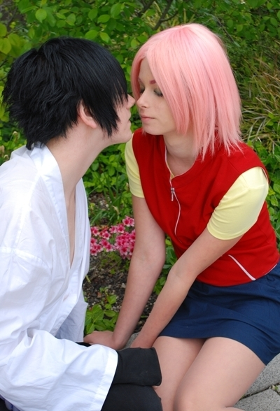 http://images2.fanpop.com/image/photos/13700000/ss-cosplay-sasusaku-13713004-400-588.jpg