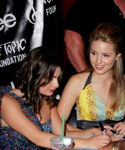 Lea Michele and Dianna Agron দেওয়ালপত্র entitled Achele *-*