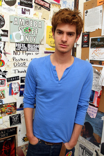 "Andrew Garfield kertas dinding entitled Andrew Garfield - ""Variety 10 Actors To Watch"" 2010"