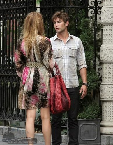 Blake Lively & Chace Crawford on set July 14th (MORE!)