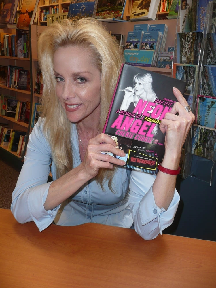 Cherie @ 'Neon Angel' signing - 2010