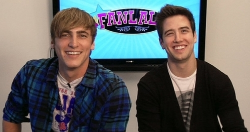 big time rush wallpaper called Kendall and Logan Smile