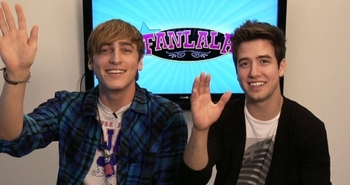 Kendall and Logan Wave