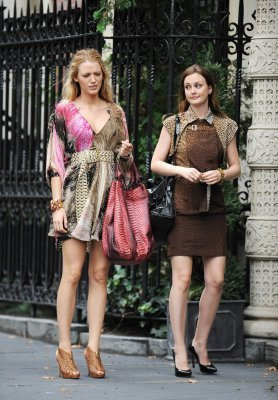 Leighton and Blake on set 14th July Season 4 - serena-and-blair Photo