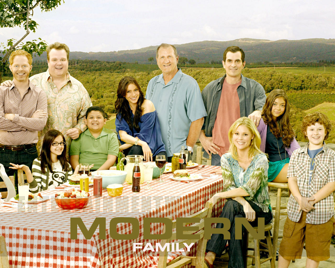 modern family wallpaper photo - photo #22