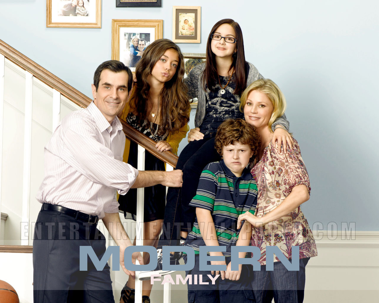 modern family wallpaper photo - photo #10