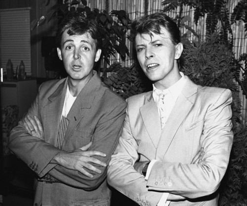 Paul McCartney wolpeyper titled Paul and David Bowie