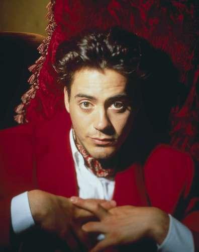 Robert Downey Jr karatasi la kupamba ukuta called RDJ