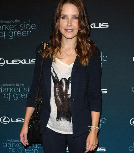 "Soph at ""The Darker Side Of Green"" Дебаты Hosted By Andy Samberg"