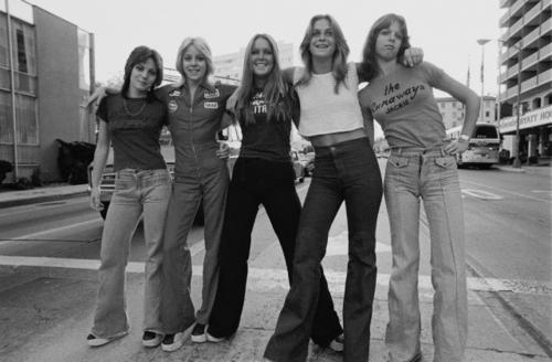 द रनअवेस वॉलपेपर called The Runaways - 1976