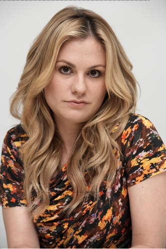 True Blood Press Conference - anna-paquin Photo