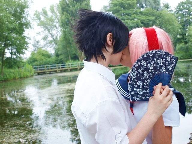 http://images2.fanpop.com/image/photos/13800000/love-cosplay-sasusaku-13815701-640-480.jpg