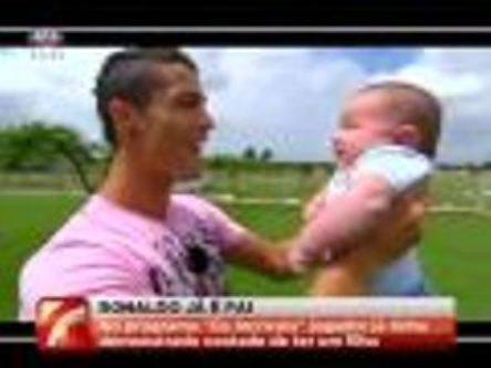ronaldo and son - cristiano-ronaldo Photo