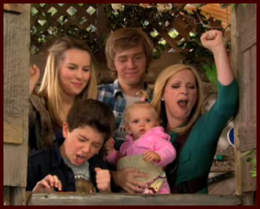 Good Luck Charlie wallpaper entitled save the treehouse