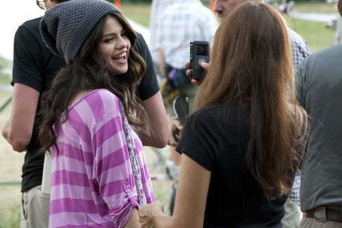 "selena's और pix from ""dream out loud""......."