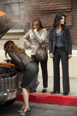 1x04 She Works Hard For The Money