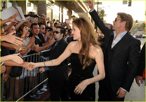 Angelina Jolie: SALT Premiere with Brad Pitt!