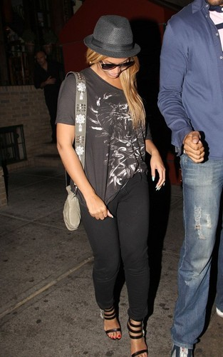 beyonce and jay z out at Pepolino Ristorante in NYC (June 14)