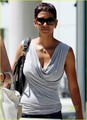 Halle Berry: Circus with Nahla Aubry! - halle-berry photo