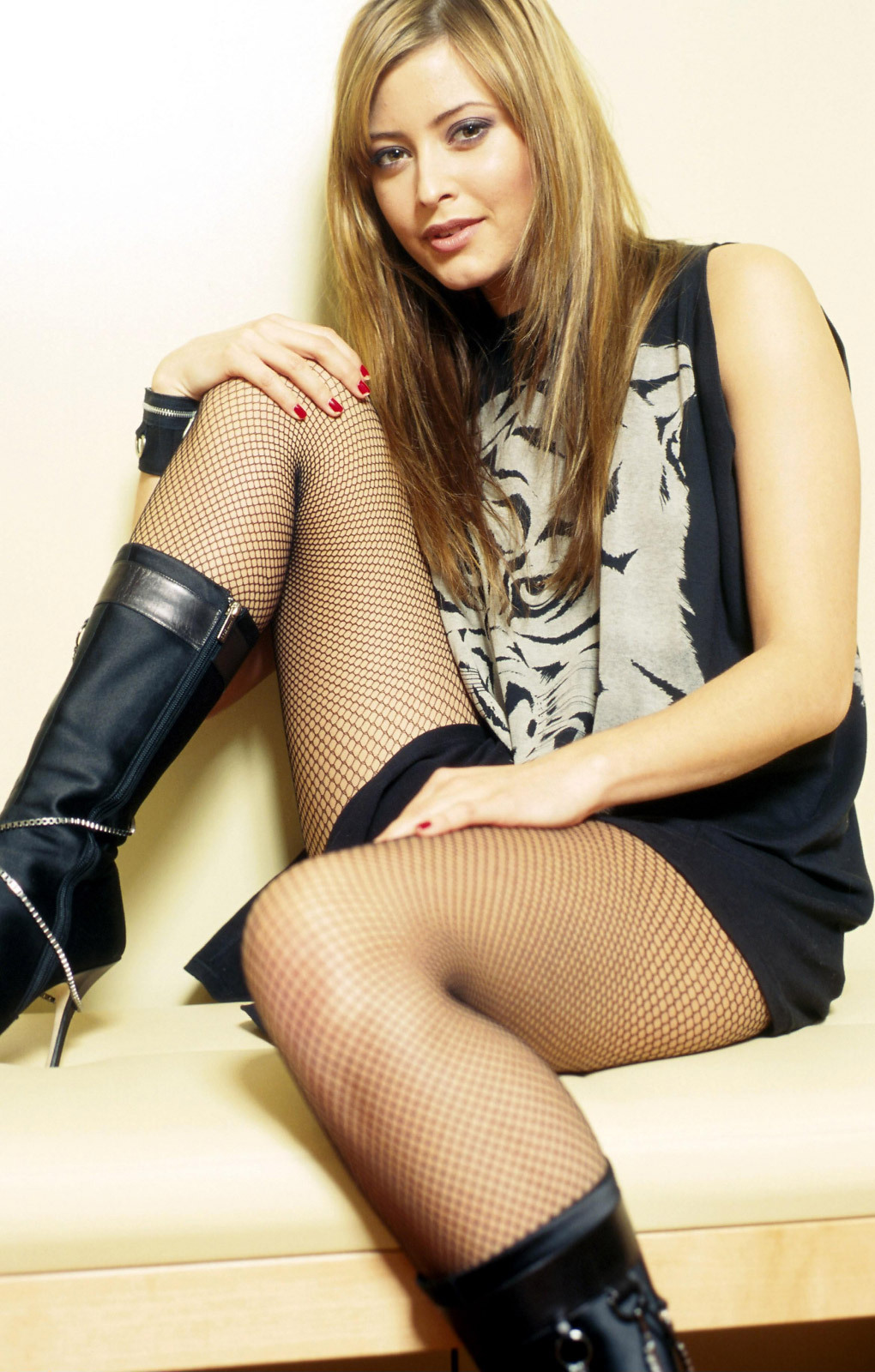 holly valance official facebook