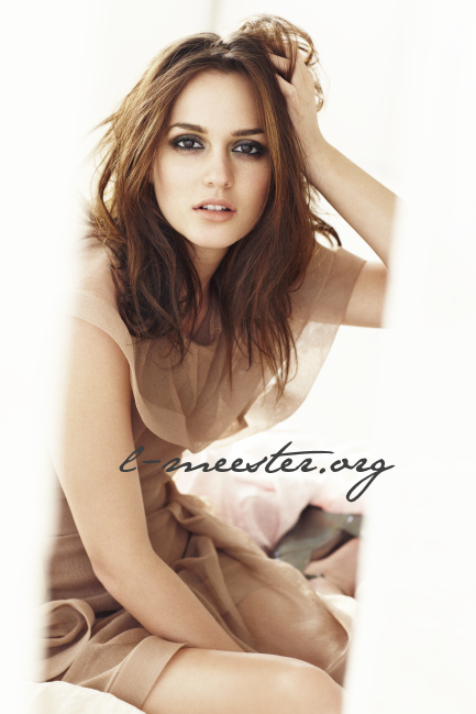 http://images2.fanpop.com/image/photos/13900000/Leighton-Meester-Glamour-US-Photoshoot-leighton-meester-13942029-433-649.jpg