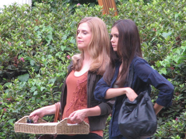 On Set TVD - Season 2 - nina-dobrev photo