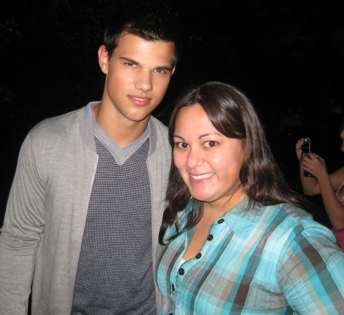 On Set with fans - abduction