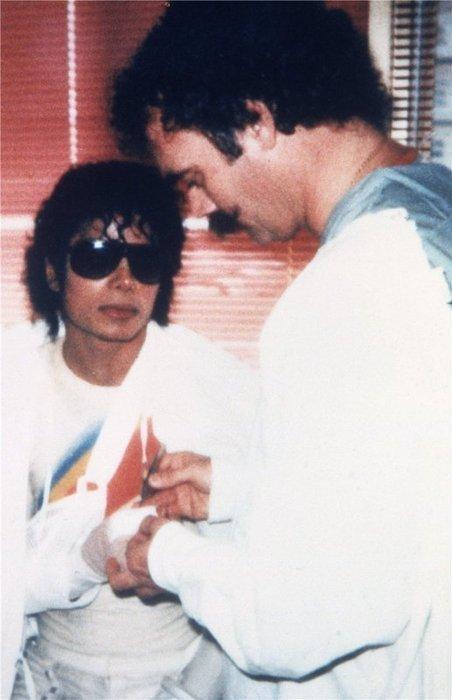 Ooooh :O Michael ,,, <3<3<3