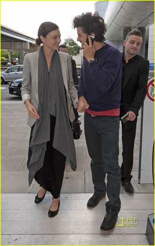 Orlando Bloom &amp; Miranda Kerr Go Gatwick - miranda-kerr Photo