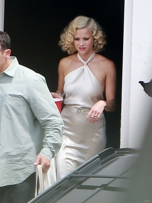 "Reese on set of ""Water For Elephants"""