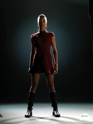 Zoë Saldaña as Uhura karatasi la kupamba ukuta entitled Saldana_Uhura