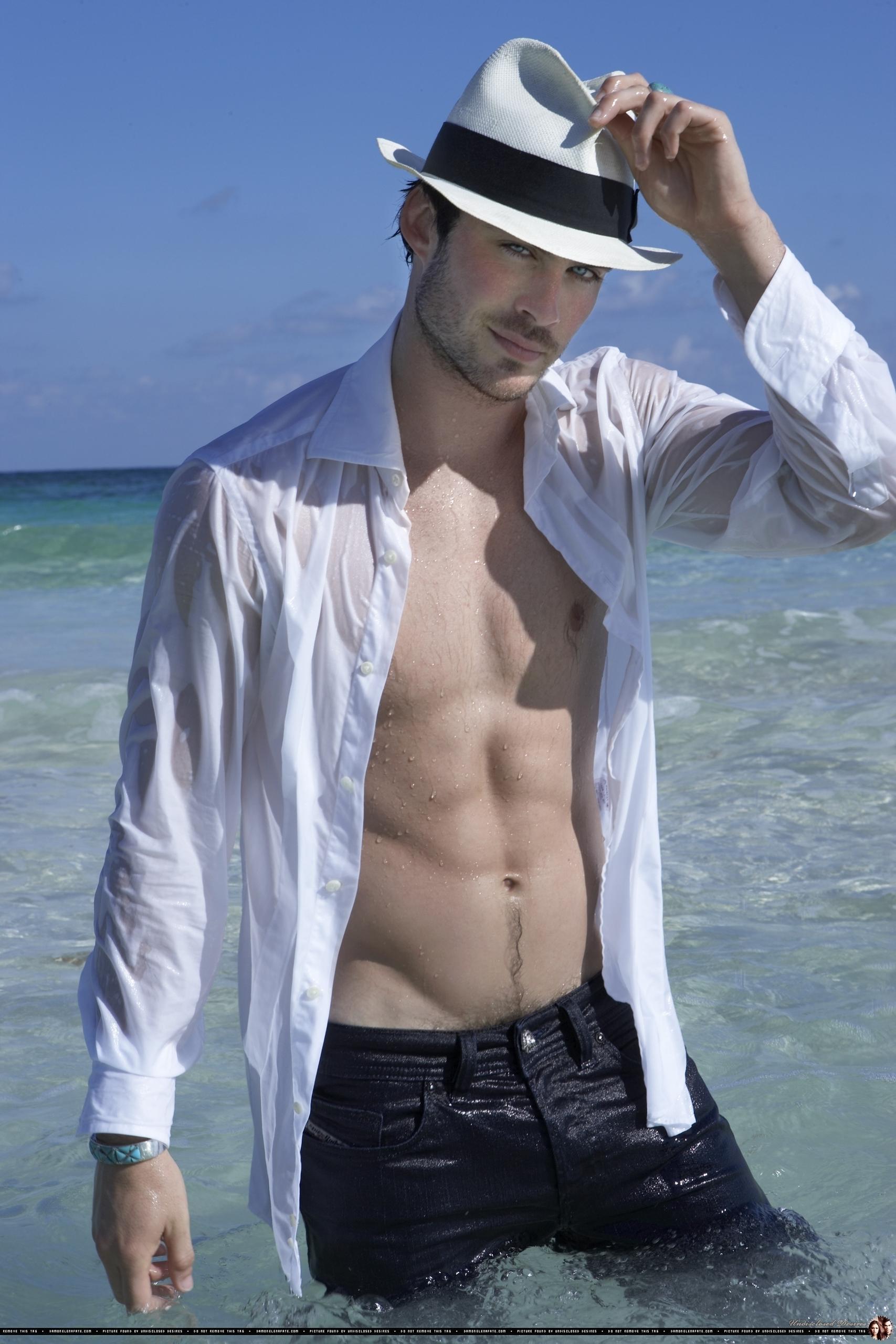 Damon Salvatore too hot pictures