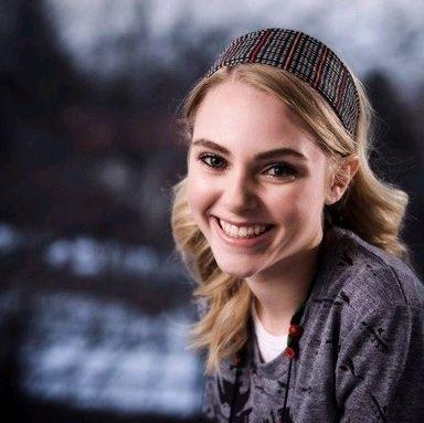 --Adorable Anna--