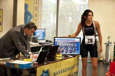 http://images2.fanpop.com/image/photos/14000000/1x05-Born-to-Run-Stills-rizzoli-and-isles-14008971-400-266.jpg