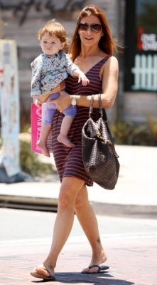 Alyson out in LA 24.6.2010