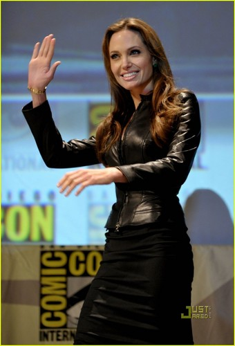 Angelina Jolie Pours Salt on Comic-Con