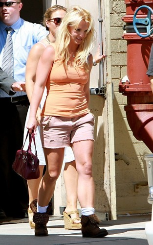 Britney out in Sherman Oaks