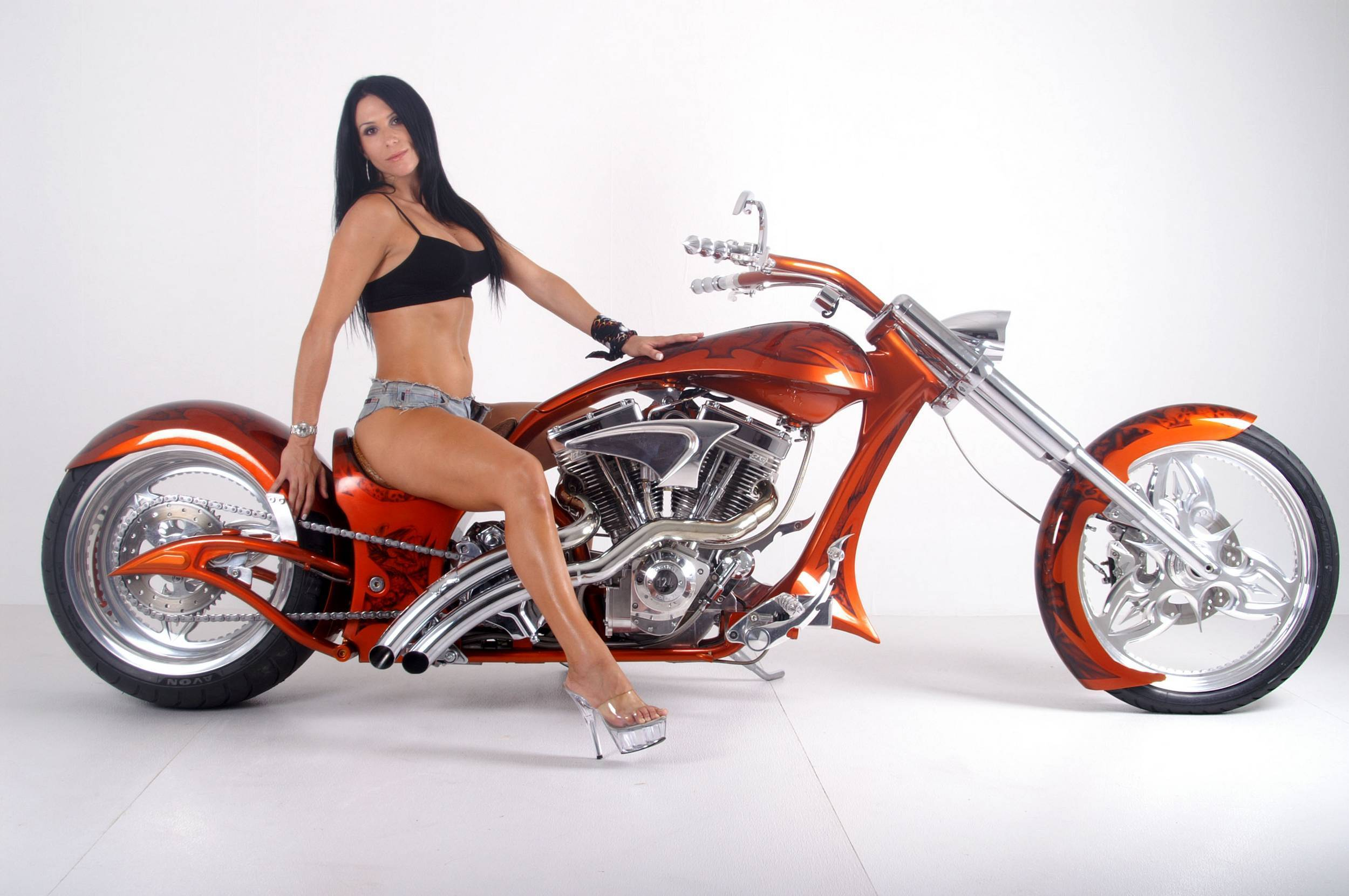 Harley-Davidson Motorcycle Choppers Girls 2500 x 1662 · 335 kB · jpeg