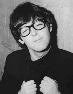 Cute Paul - the-beatles Photo