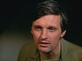 alan alda father