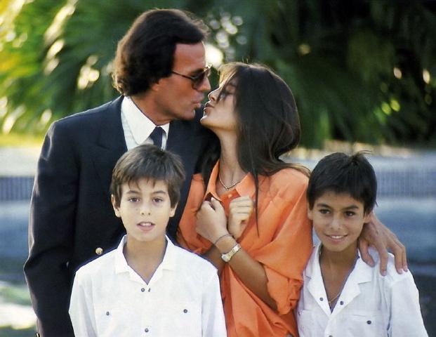 Julio with his children